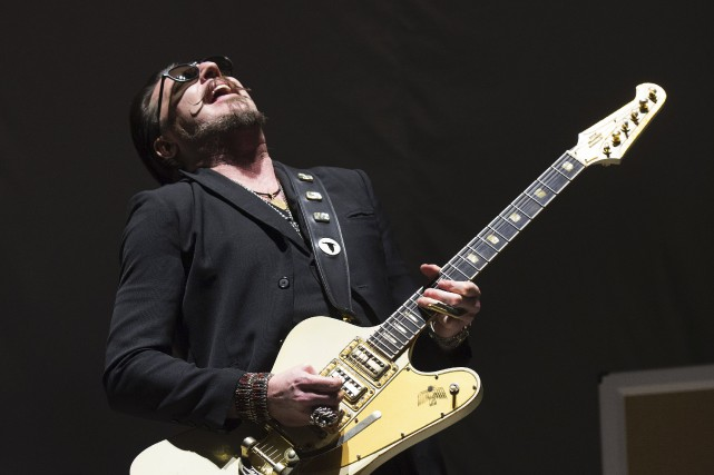 Le guitariste et fondateur de Rival Sons, Scott Holiday... (AFP, Don Emmert)