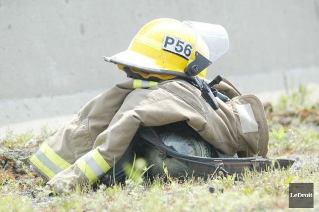 Le Service des incendies d'Ottawa a été complètement débordé dimanche, alors... (Archives, LeDroit)