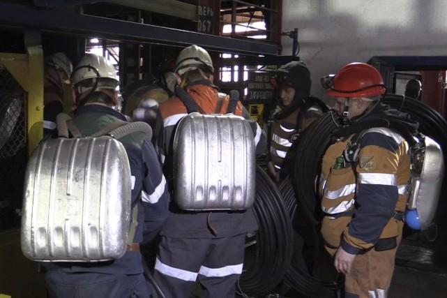 Les secouristes ont reçu des instructions claires avant... (AP)