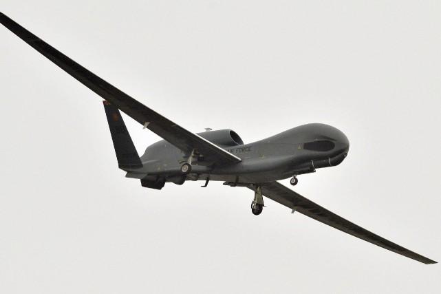 Ce drone de surveillance Global Hawk américain correspond... (La Presse Canadienne)