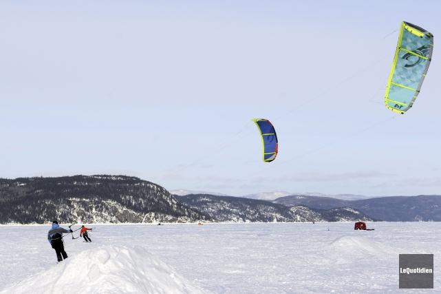 La première des trois étapes de la Coupe du Québec de kite sur neige a pris fin... (Photo Le Quotidien, Mariane L. St-Gelais)