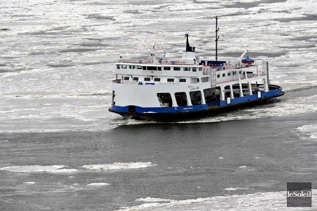 Pour la traverse Québec-Lévis, le billet passager sera... (Photothèque Le Soleil, Patrice Laroche)