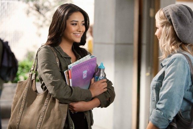 Shay Mitchell (Emily Fields) dans la série Pretty... (PHOTO ADAM ROSE, FOURNIE PAR ABC FAMILY)
