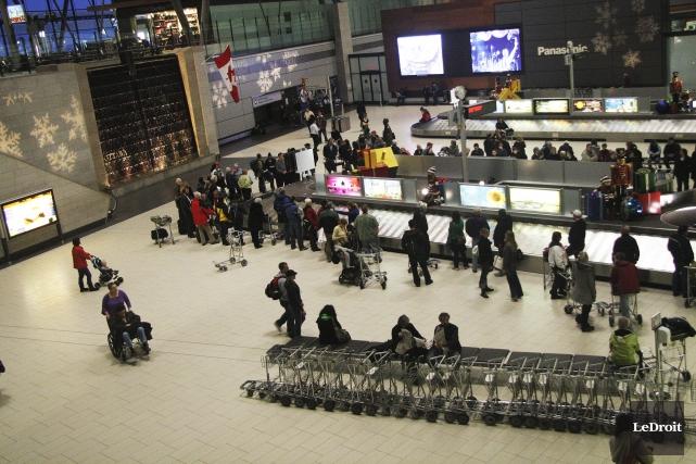 L'Aéroport international d'Ottawa a annoncé lundi avoir reçu la médaille... (Etienne Ranger, Archives LeDroit)