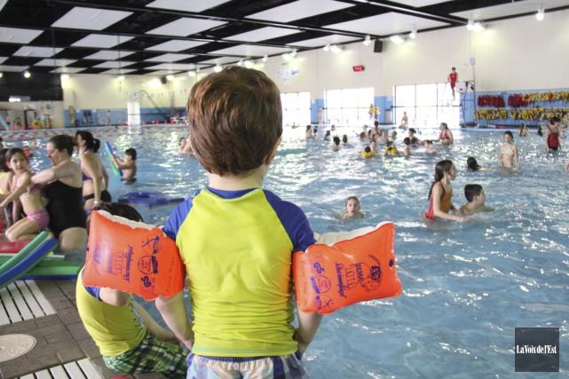 L'administration de la piscine Miner à Granby profite... (archives La Voix de l'Est)