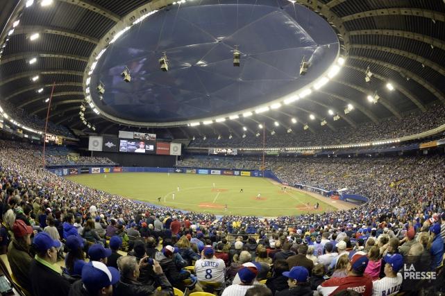 Le stade olympique de Montréal était bondé lors... (Bernard Brault, archives La Presse)