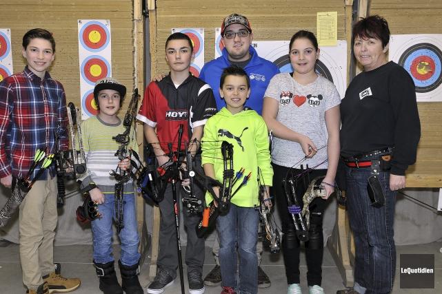 Tommy Plante (à l'arrière), du club des Archers... (Photo Le Quotidien, Rocket Lavoie)