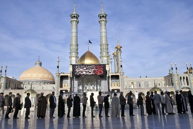 Les Iraniens ont été nombreux à voter.... (AP, Ebrahim Noroozi)
