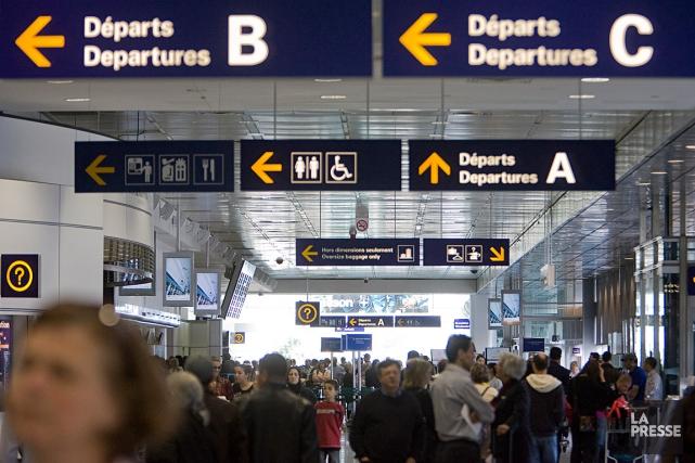 La panne touche les départs vers les États-Unis.... (PHOTO DAVID BOILY, ARCHIVES LA PRESSE)