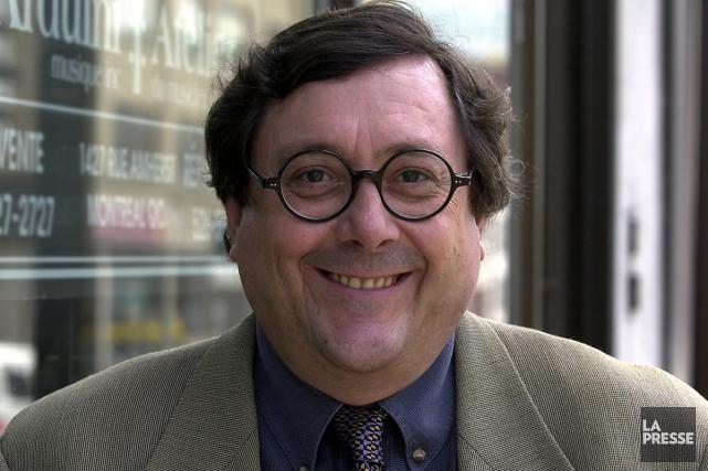 Plusieurs journalistes étrangers, dont le journaliste Raymond Saint-Pierre,... (PHOTO ROBERT MAILLOUX, ARCHIVES LA PRESSE)