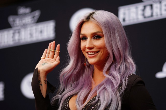 La chanteuse Kesha... (PHOTO DAVID McNEW, ARCHIVES REUTERS)
