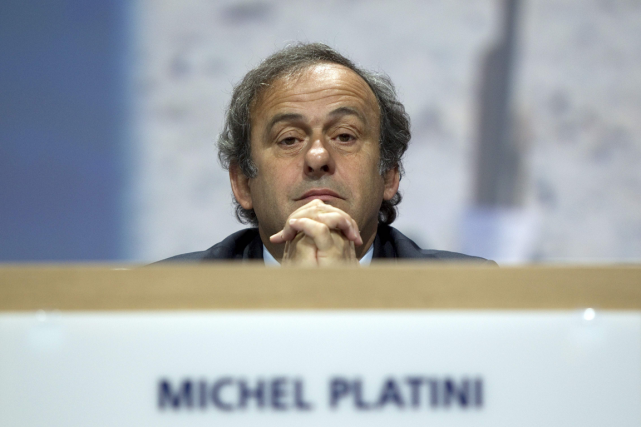Michel Platini... (Photo Sebastian Derungs, archives AFP)