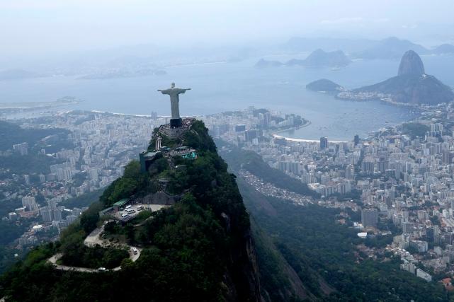 La préparation des Jeux olympiques de Rio a... (Archives AP, David J. Phillip)