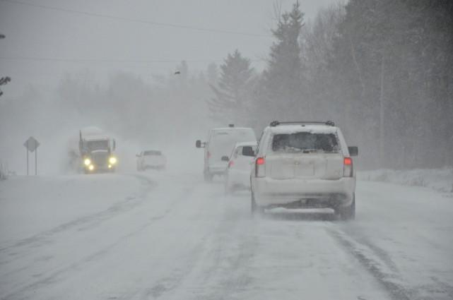 La pire tempête de l'hiver frappe l'Est-du-Québec, à... (Collaboration spéciale, Johanne Fournier)