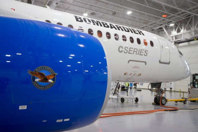 Un avion de la C Series de Bombardier.... (Photo Christinne Muschi, Archives REUTERS)
