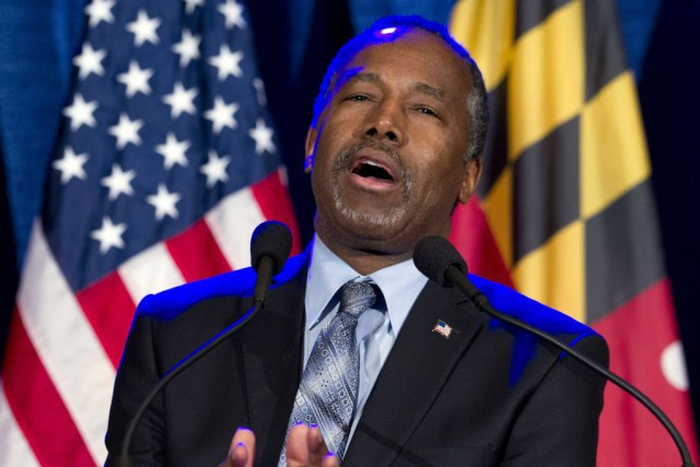 Ben Carsona scandalisé beaucoup à gauche par des... (PHOTO AP)