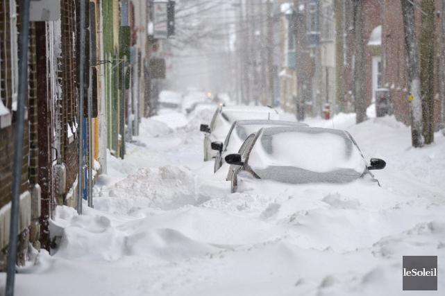 À Québec, le blizzard a compliqué les déplacements.... (Photo Yan Doublet, Le Soleil)