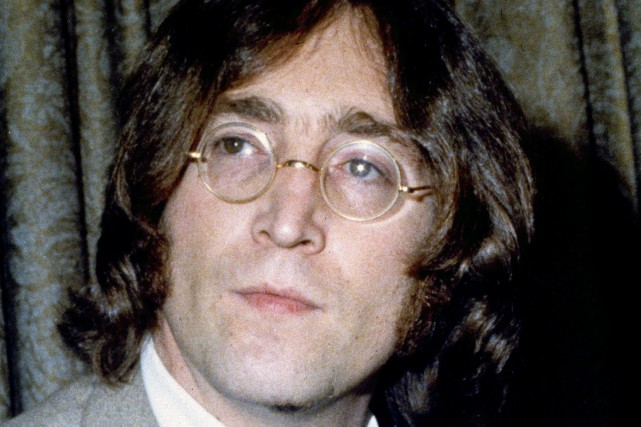 John Lennon... (PHOTO ARCHIVES AP)
