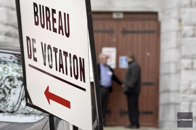 L'arbitrage politique par les citoyens se passe au... (Archives, La Tribune)
