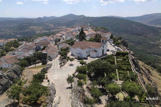 Marvao est un village fortifié trônant à 860m... (Le Soleil, Normand Provencher)