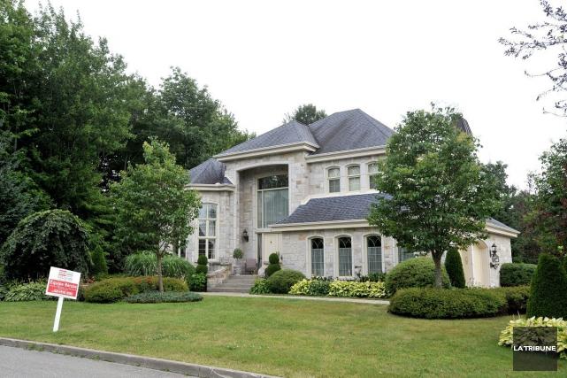 Toronto et Vancouver continueront de dominer le marché des résidences de luxe... (PHOTO FRÉDÉRIC CÔTÉ, IMACOM)