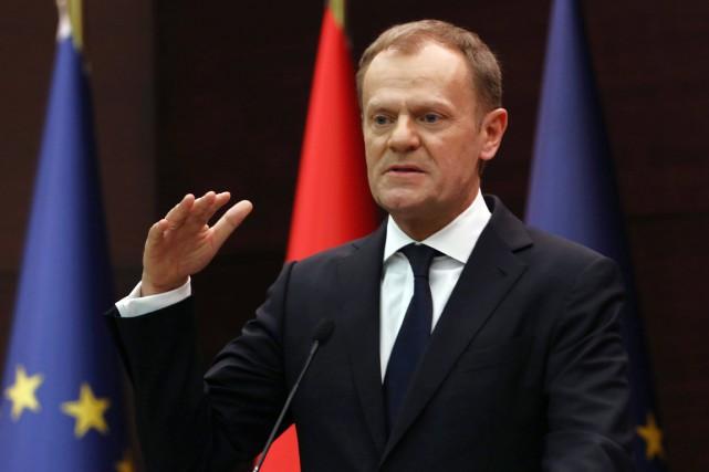 Le président du Conseil européen Donald Tusk, dans... (PHOTO BURHAN OZBILICI, AP)