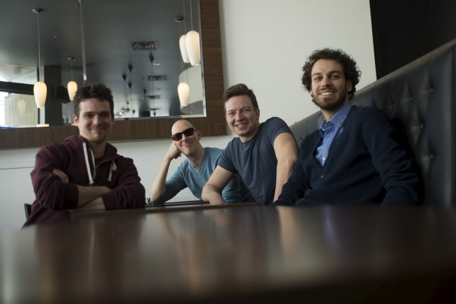 Les membres du quatuor a capella Qw4rtz attendent... (Stéphane Lessard)