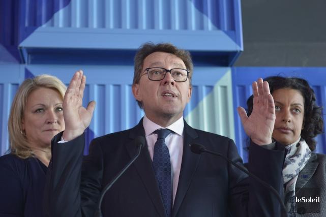 Les 300 millions $ annoncés par les ministres... (Le Soleil, Yan Doublet)