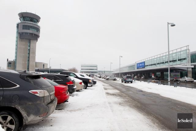 Les taxis de Québec demandent aux contrôleurs routiers... (Photothèque Le Soleil, Caroline Grégoire)