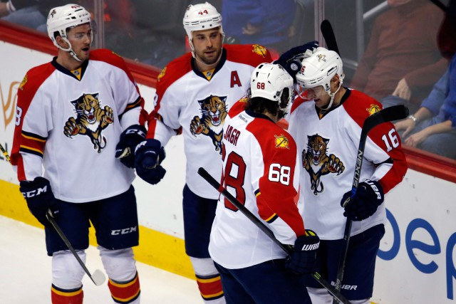 Jaromir Jagr (68) a récolté une passe sur le... (photo David Zalubowski, associated press)