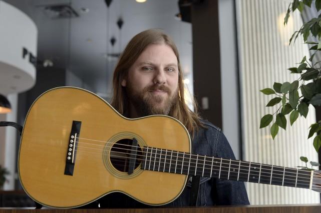 Le guitariste trifluvien Steve Hill présente un troisième... (Sylvain Mayer)