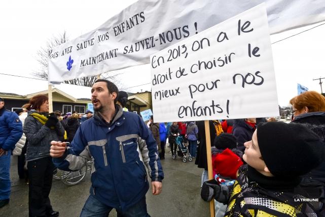 De récents articles à propos de l'entente collective des employés publics et... (Archives, La Tribune)