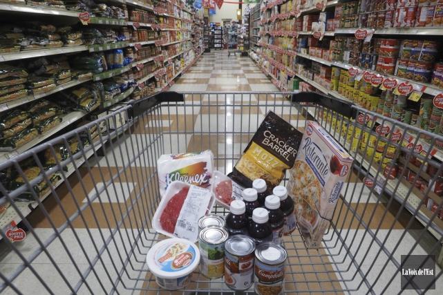 Avec le prix des aliments qui ne cesse de gonfler, boucler le budget devient un... (Archives, La Voix de l'Est)