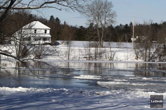 La rivière Gatineau a donné des maux de... (Patrick Woodbury, Archives LeDroit)