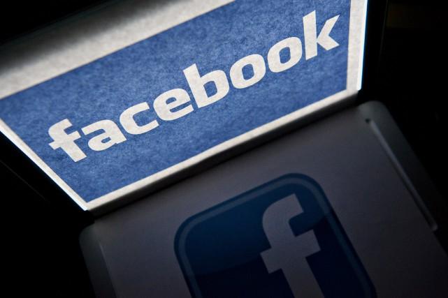 Le géant des médias sociaux Facebook, critiqué au Royaume-Uni pour ses... (Daniel Acker, Bloomberg)