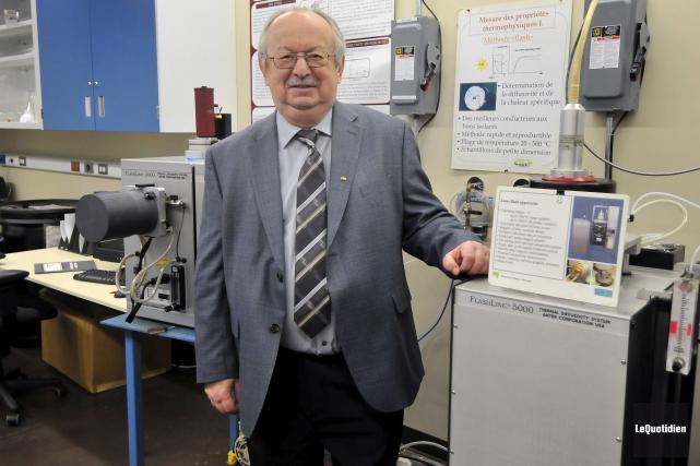 Laszlo Kiss est professeur au département des sciences... (Photo Le Quotidien, Jeannot Lévesque)