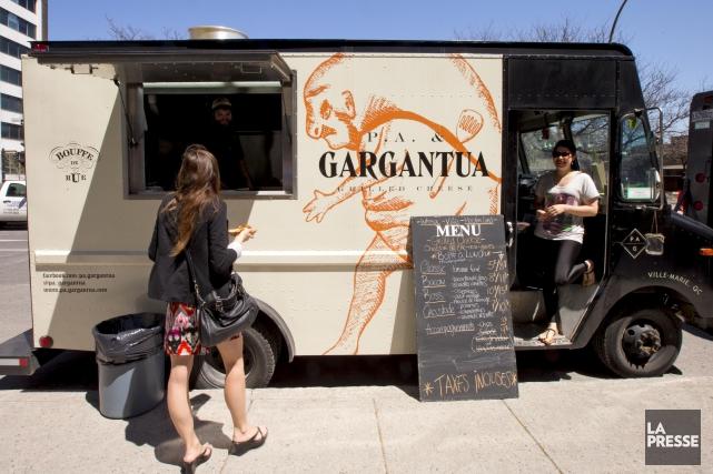 Un camion de cuisine de rue coûte de... (Archives La Presse)