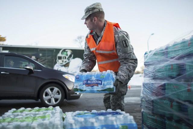 La principale réponse des autorités au problème consiste... (PHOTO GEOFF ROBINS, ARCHIVES AFP)
