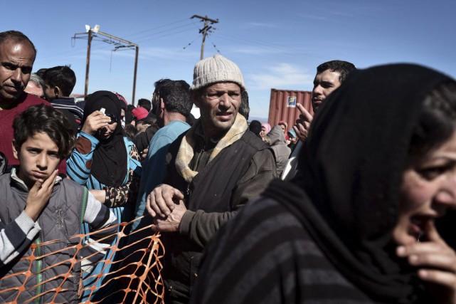 Le nombre de réfugiés - surtout des Syriens,... (PHOTO LOUISA GOULIAMAKI, AFP)