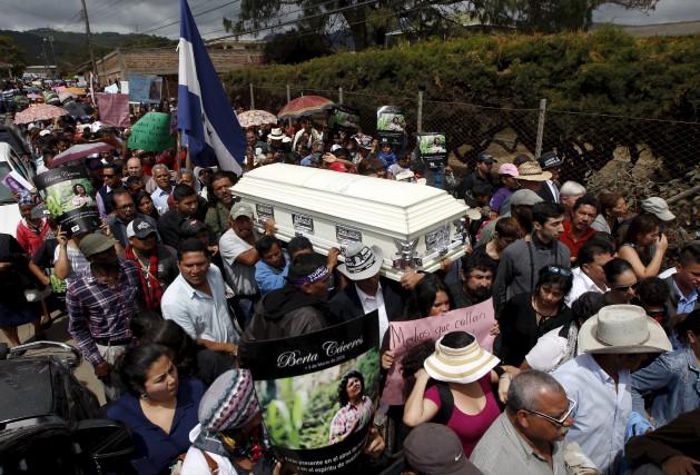 BertaCáceres, avait été menacée après avoir pris la... (photo jorge cabrera, reuters)