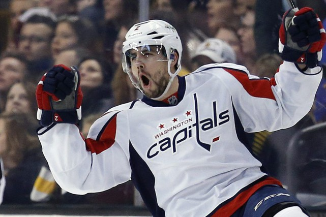 Matt Niskanen a touché la cible en prolongation, le gardien réserviste Philipp... (Photo AP)