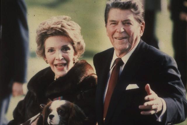 Nancy Reagan a été admirée pour sa défense... (Archives AP, Dennis Cool)