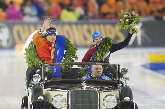 Sven Kramer et Martina Sablikova ont eu droit... (PHOTO SOEREN STACHE, AFP)