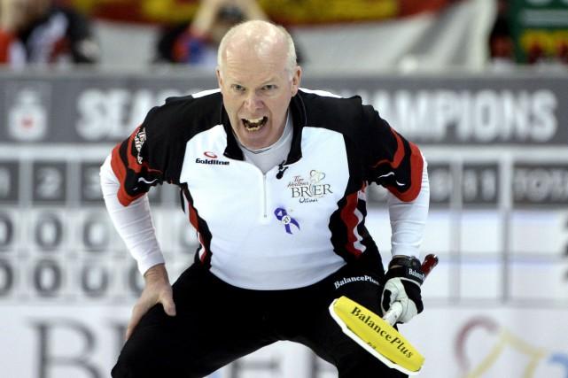 À 53 ans, il est le joueur le... (La Presse Canadienne)