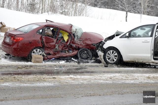 La route a fait un mort lundi matin... ((Photo Le Quotidien, Jeannot Lévesque))
