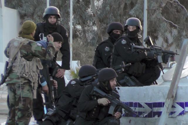 Les forces spéciales tunisiennes étaient sur le qui-vive... (Agence France-Presse)