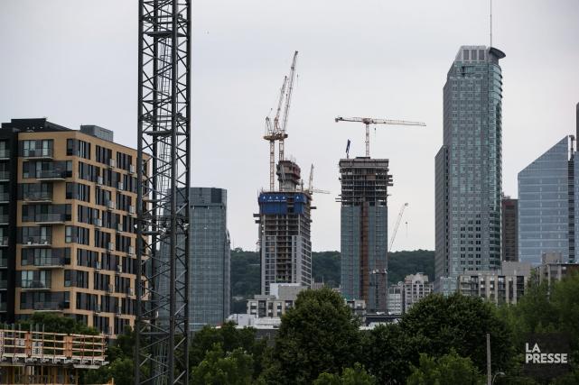 La hausse des ventes de condos au centre-ville... (PHOTO HUGO-SÉBASTIEN AUBERT, archives LA PRESSE)
