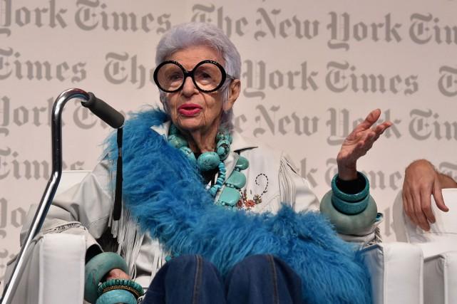 Iris Apfel fait l'objet jusqu'au 16 avril d'une... (PHOTO AFP)