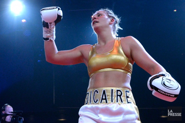 La boxeuse québécoiseMarie-Ève Dicaire avaincu la Manitobaine Christina... (Photo Bernard Brault, archives La Presse)