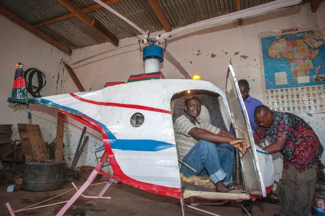 Si l'hélicoptère semble fonctionner, pas question pour autant... (PHOTO AMOS GUMULIRA, AFP)